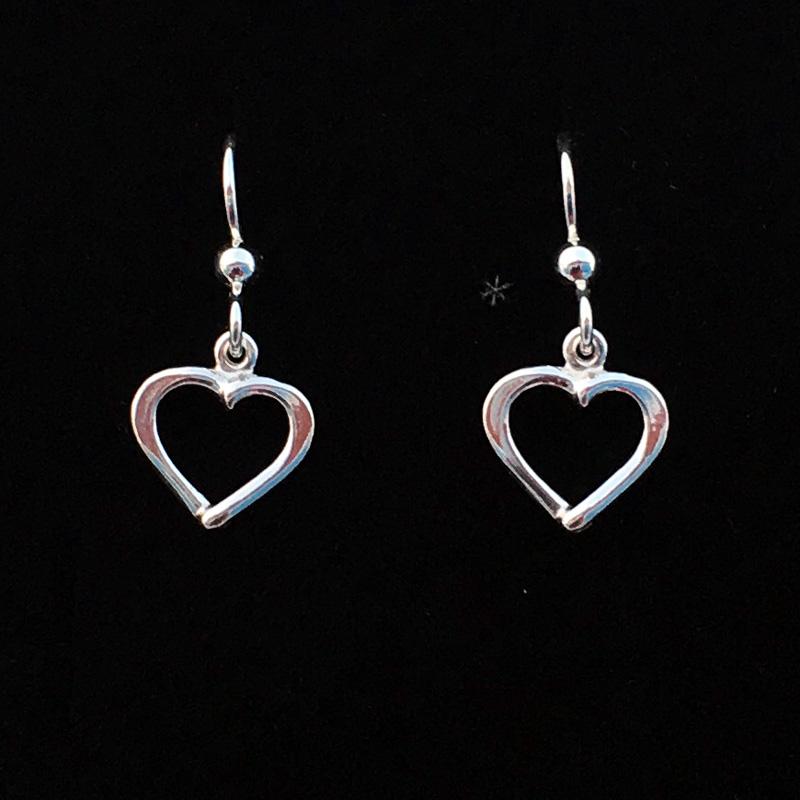 Silverörhängen Hjärtan