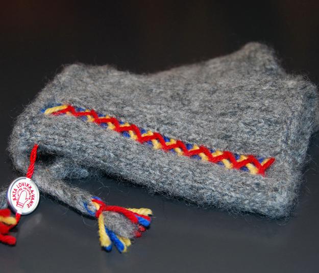 Lovikka wrist warmers
