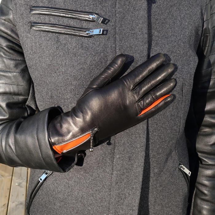orange handskar