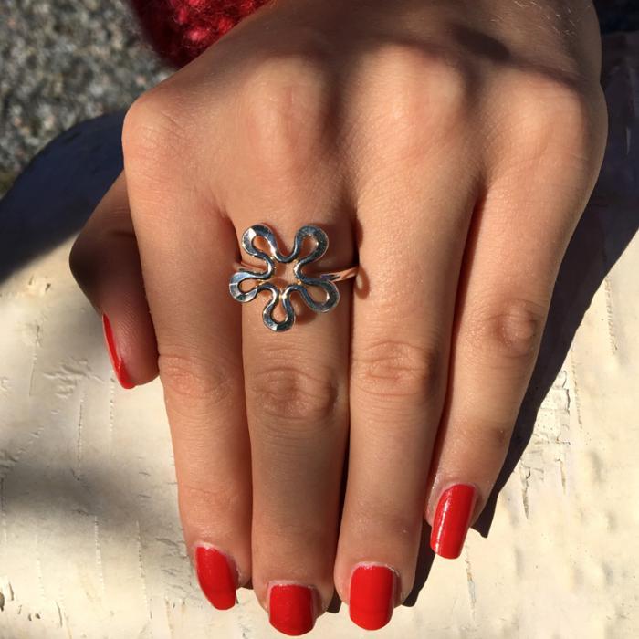 Blomman silver ring