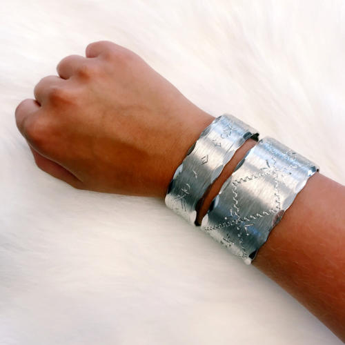 Narrow bracelet in pewter