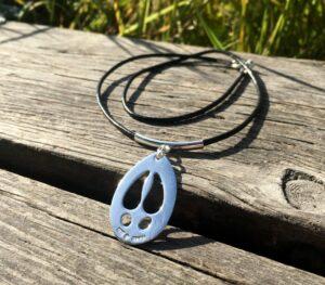 Halsband älgspår med läderrem