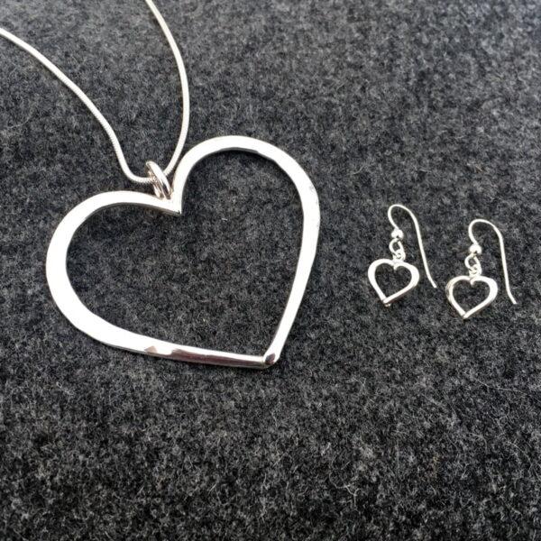 Silver necklace Hjärtlig