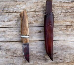 handgjord kniv i ett exemplar