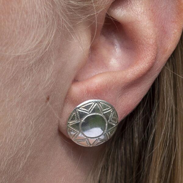 Silverörhängen Knapp - samisk design