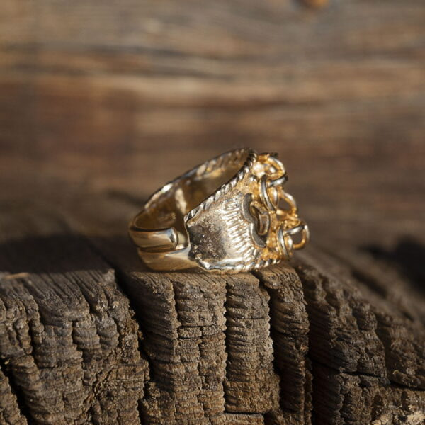 The love ring - Adjustable gold ring