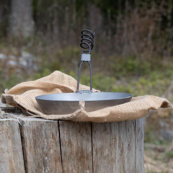 Stekpanna i stål med vikbart skaft