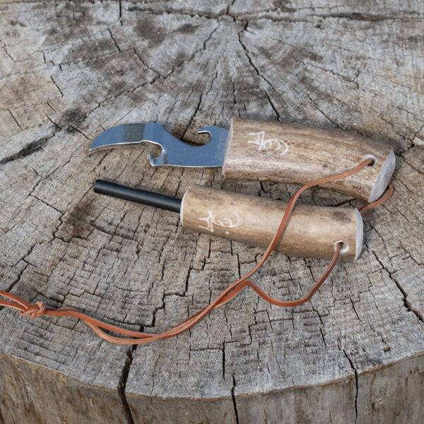 Tändstål/vildmarkssticka med konservöppnare i renhorn